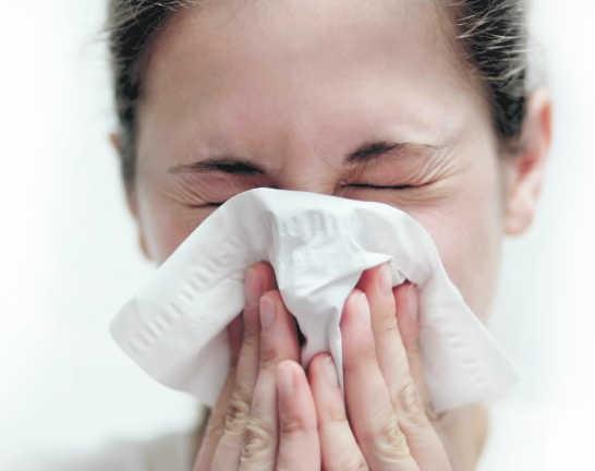 лечить аллергический ринит